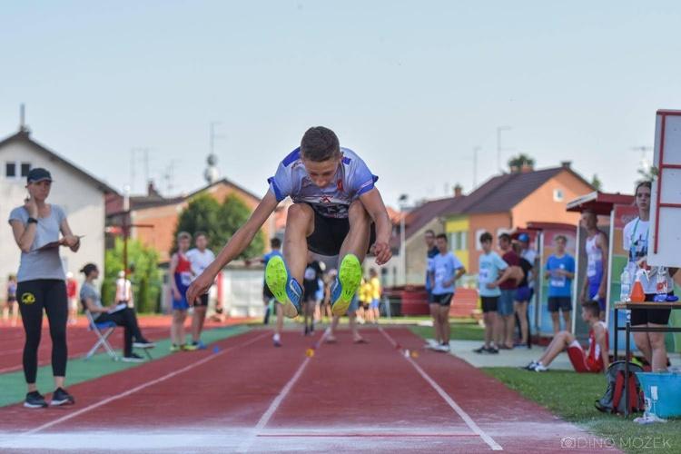 atletika skok u dalj