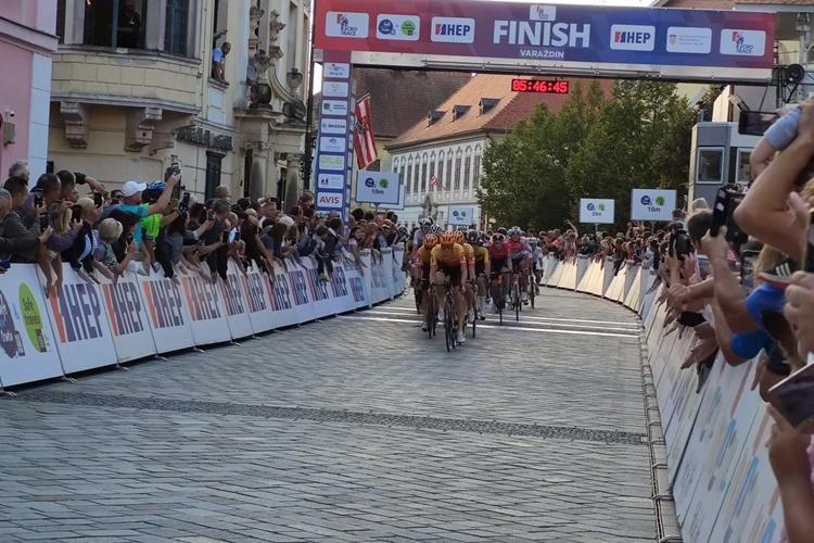cro-race009