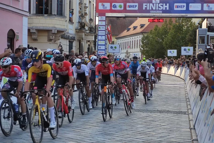 cro-race010