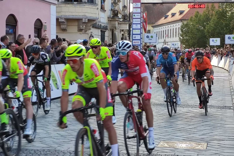 cro-race012